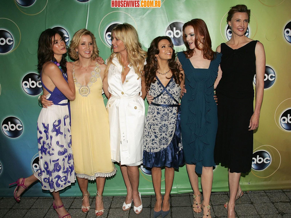 http://housewives.cdom.ru/photo/images_large/promo2/DesperateHousewives233.jpg